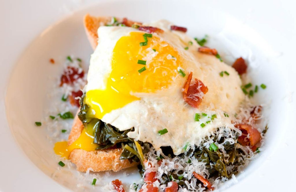 Braised-Kale-Bacon-and-Egg-on-Toast-Recipe-3